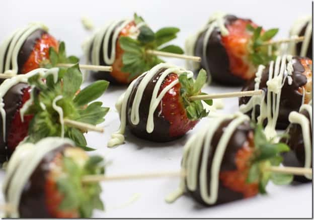 choc.strawberries8