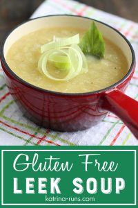 Pinterest graphic with bowl of leek soup topped with fresh leek rings.